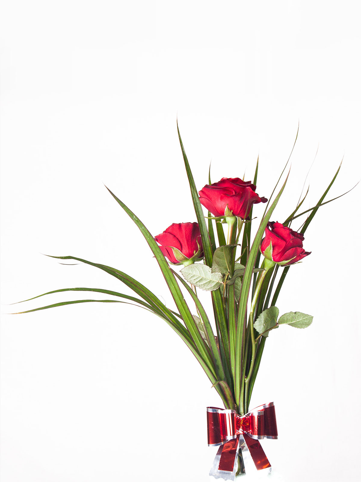 How to make 3roses bouquet flower boutiques in toronto ideas a rose is a woody perennial flowering plant of the genus rosa in the family rosaceae or the flower it bears there are over a hundred species and izmirmasajfo