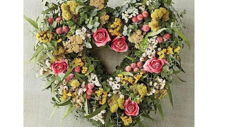 harry-and-david-heart-wreath